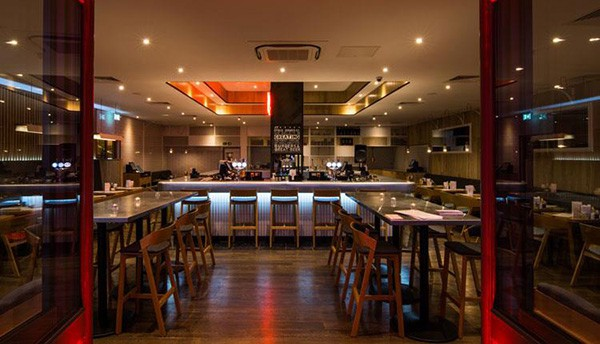 Holiday Inn Brighton Seafront Bar