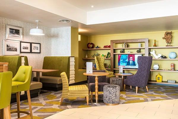 Holiday Inn Brighton Seafront Open Lobby