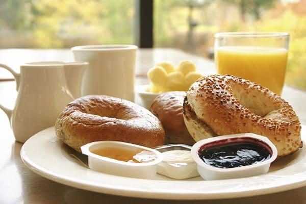Holiday Inn Brighton Seafront breakfast