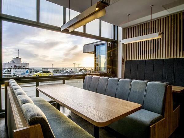 Holiday Inn Brighton Seafront seating