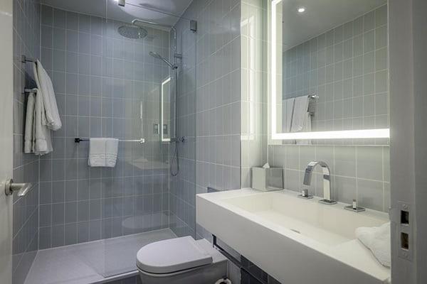 The Hilton Metropole Brighton Bathroom