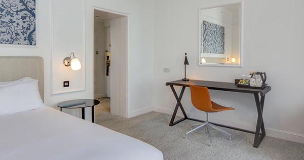 The Hilton Metropole Brighton Room j