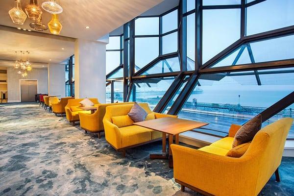 Jurys Inn Brighton Waterfront Lounge